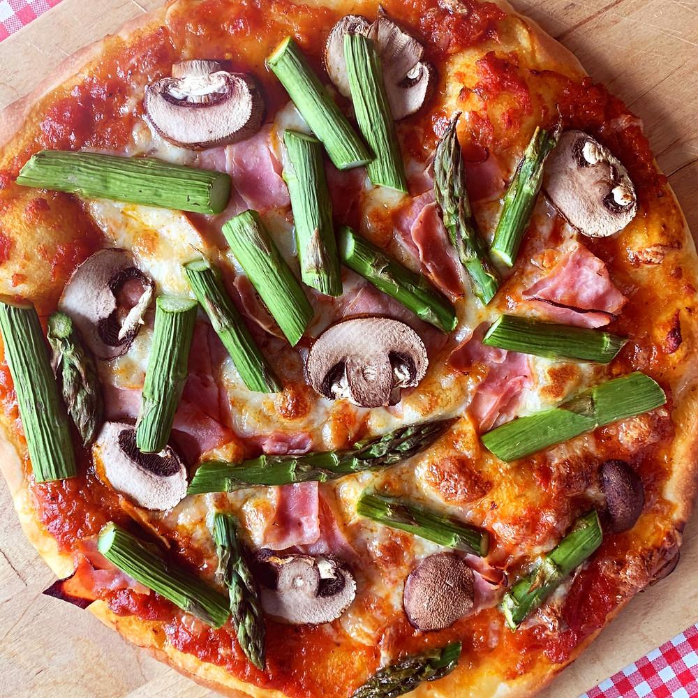 Pizza, amore mio! Ofenfrisch, knusprig und unkompliziert