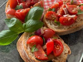 Bruschetta mit Tomaten - der Antipasti-Klassiker schlechthin