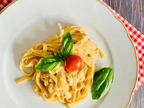 Cremige Tomaten-Pasta mit Cashewnüssen und Ricotta