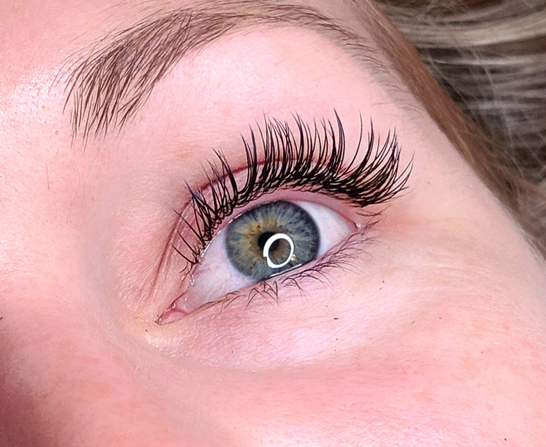 Classic Natural eyelash extensions