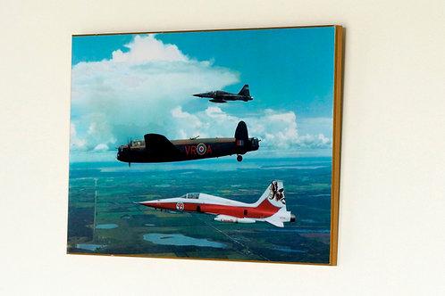 Avro Lancaster FM213 (Plaque)