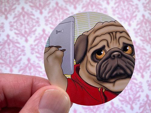 Selfie Pug (Round Sticker)