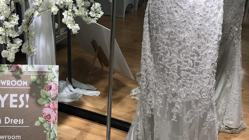 SALE WEDDING DRESS - Ian Stuart Celine