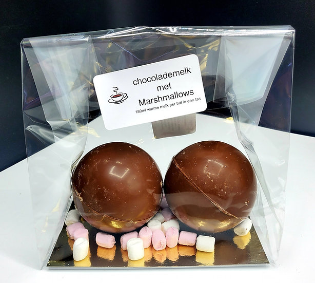 Chocolademelkbal met mini-Marshmallows