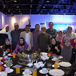 Fund-raising Dinner Pulls 500 SSI Alumni