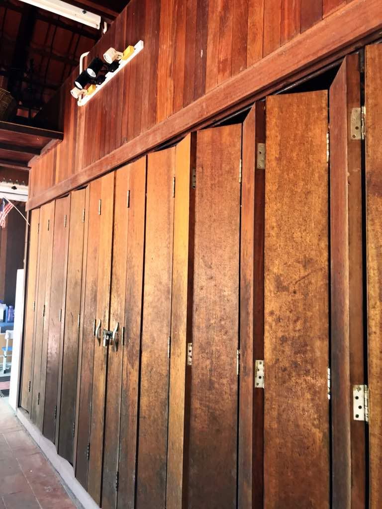 Wood folding door