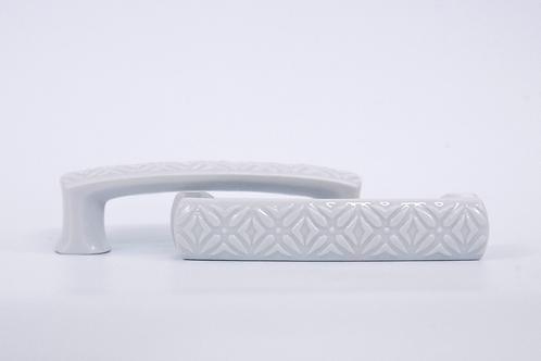 Porcelán hosszúkás fogantyú Cobogó, anyagában mintázott