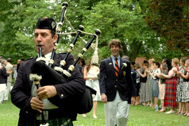 Maryland_Bagpiper_Graduation_2008_05_CG_