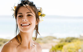 Sourire blanc jolie fille facettes