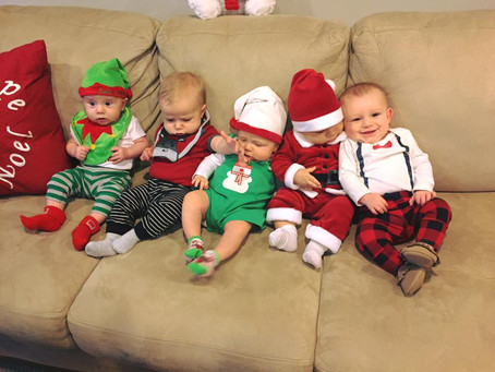 Who needs Santa with elves this cute?