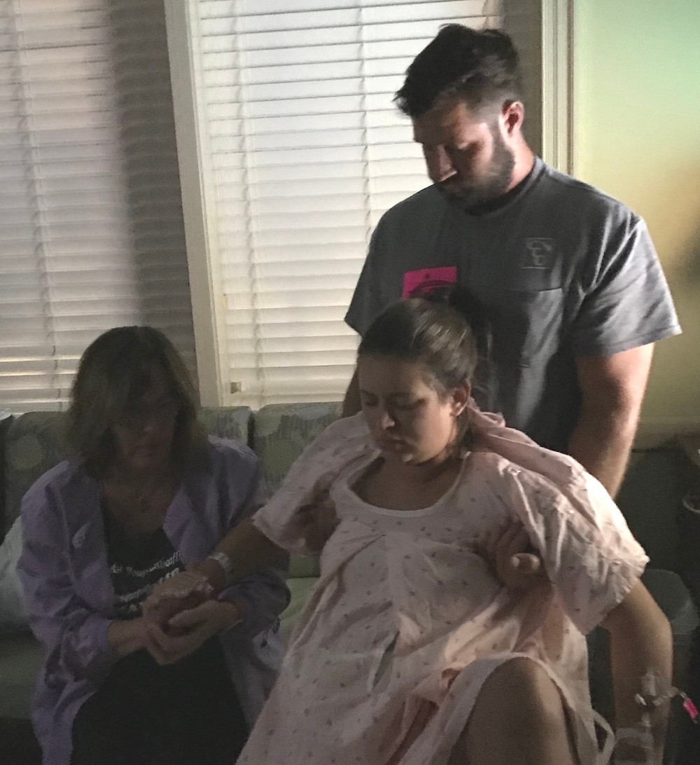 Mom sinks down during contractions