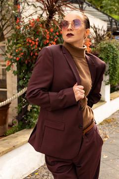 Model: Angelique Keller Hair&MakeUp: Juliett Baar Suit: The Kooples Turtleneck: Uniqlo