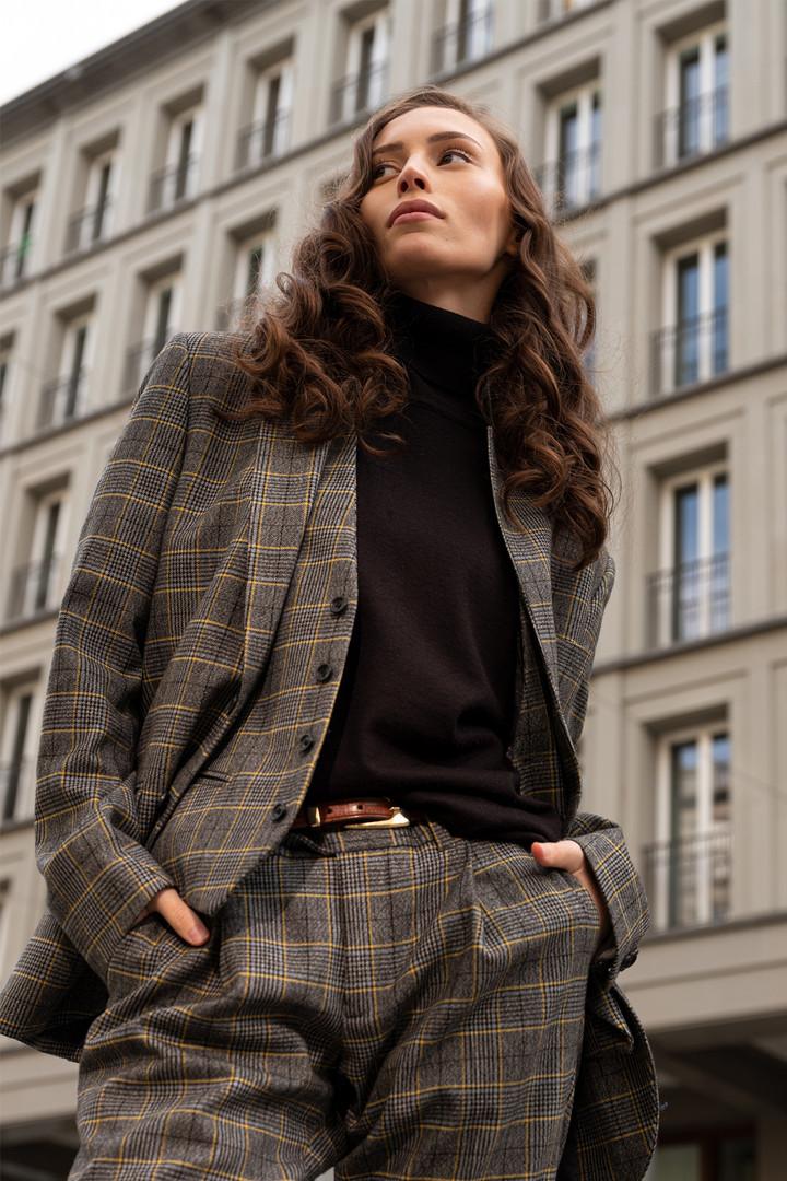 Model: Anna Khitova Hair&MakeUp: Juliett Baar Suit: Wormland Men