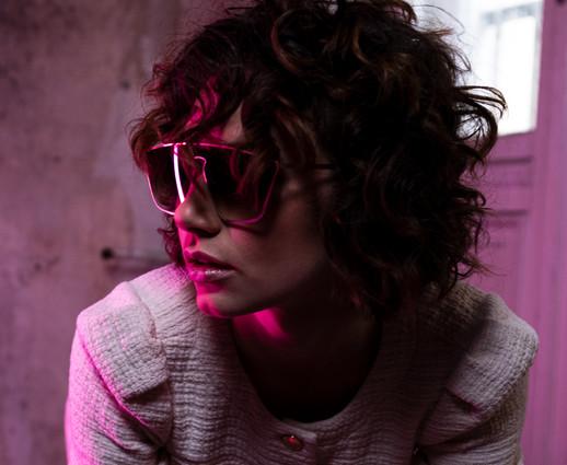 Model: Victoria Anders Hair&MakeUp: Juliett Baar Dress: Maje Sunglasses: Claus Tyler