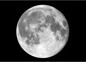 Qu'est ce que la lune rousse ?