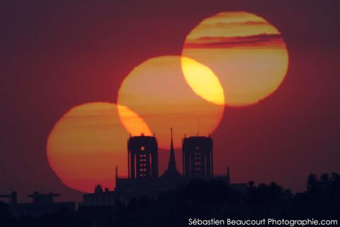 Lever de Soleil sur la cathédrale de Reims