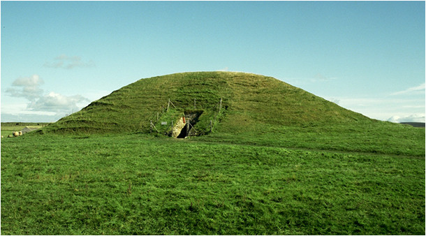 Tumulus de Maes Howe (Ecosse)