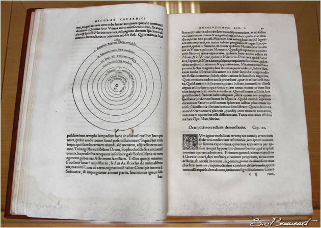 Le De Revolutionibus écrit par Copernic