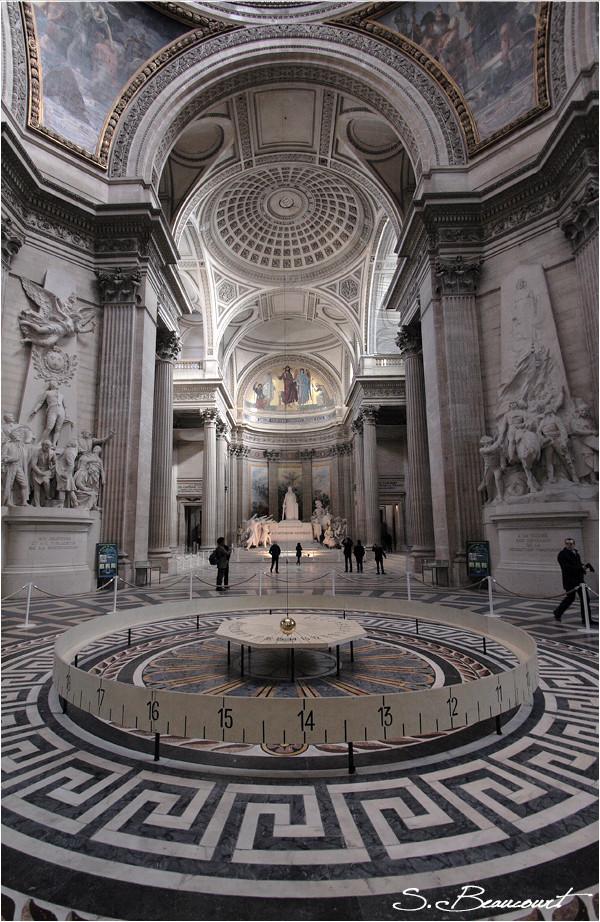 Le Pendule de Foucault au Panthéon (Paris).