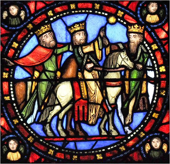 Les rois-mages sur les vitraux de la basilique Saint-Denis