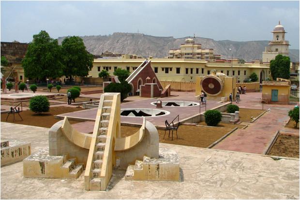 Observatoire astronomique Jantat Mantar, à Jaipur (Inde).