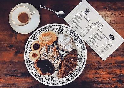 pesaro colazione con caffetteria e pasticceria