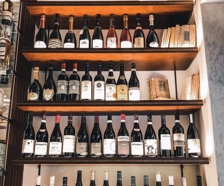 wine bar-vino-enoteca-pesaro.png