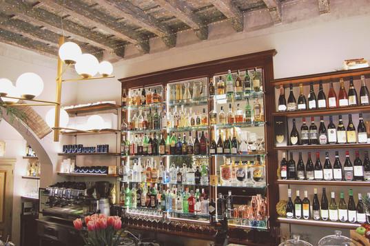 cocktail-bar-caffe-pesaro.jpg