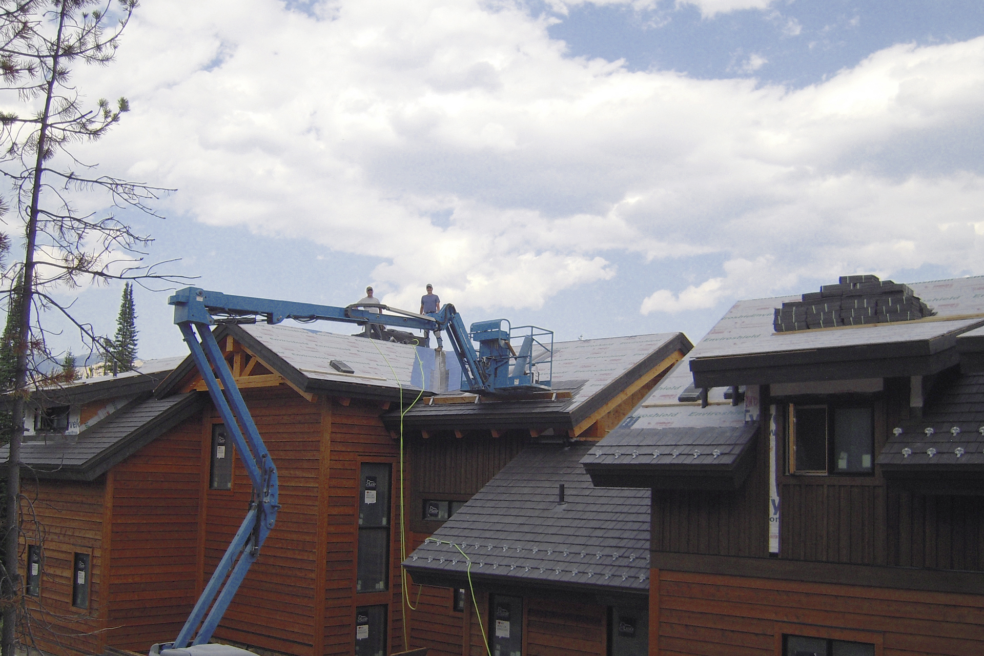 Roof_Project_Spanish_Peaks_MT_Pristine