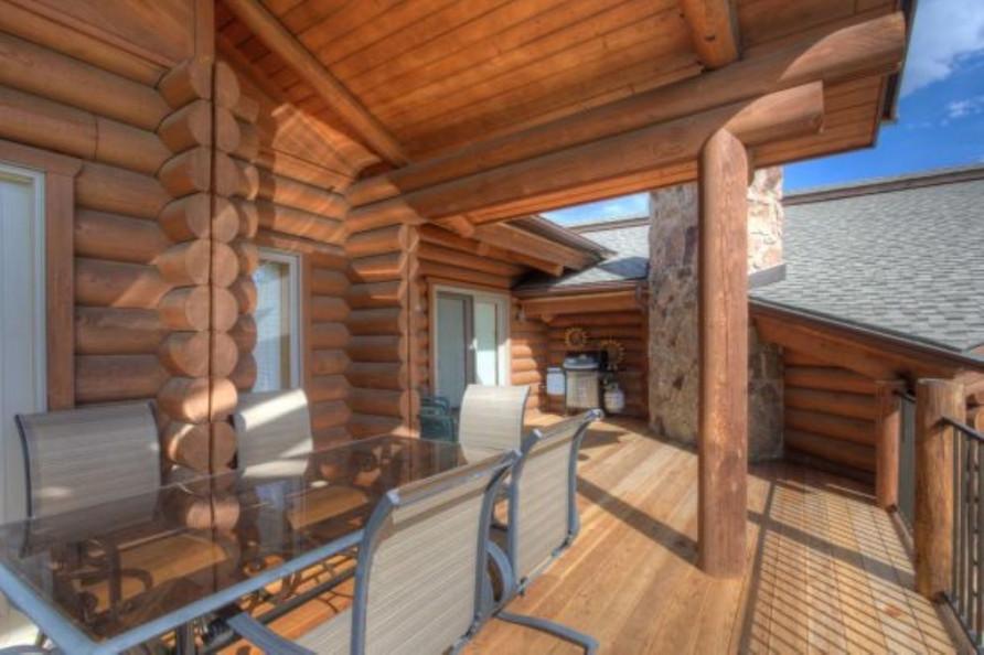 Travel Big Sky Cozy Cabin