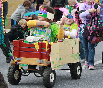 wagon parade 3.jpg