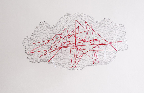 Sophie Muhlmann, Connessioni intramolecolari