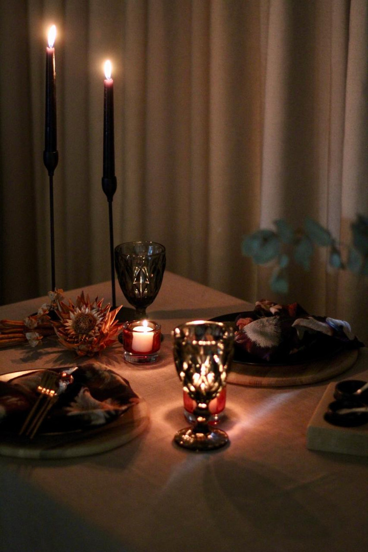 Romantic Midnight Mystique table setting