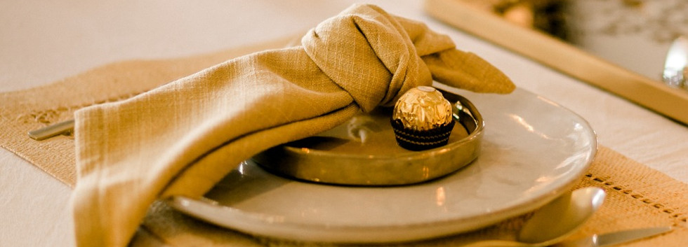 Midas place setting