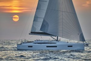 SUN ODYSSEY 410: performance & comfort for a unique sailing experience