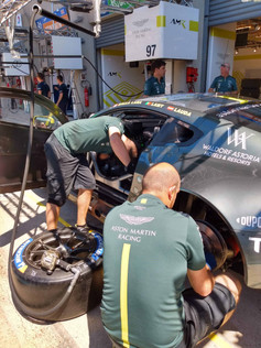 A3 VDM Team Aston Martin 1 (3).jpg