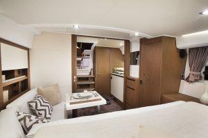 Leader 36 Cockpit Lounge