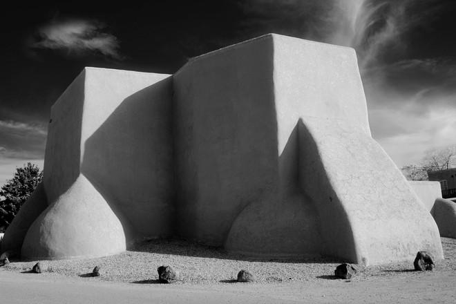 Ranchos-0141-BW-ArtfinderLighter.jpg