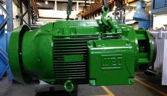 Manutenção em Motor W22 125cv