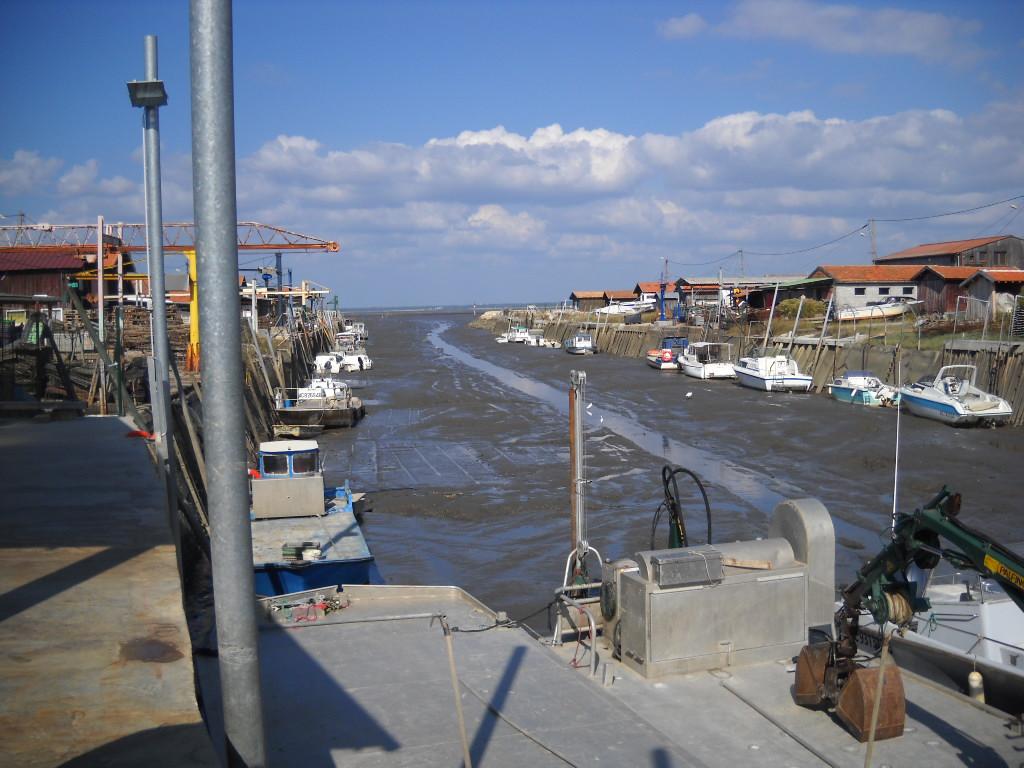 Marée basse au port