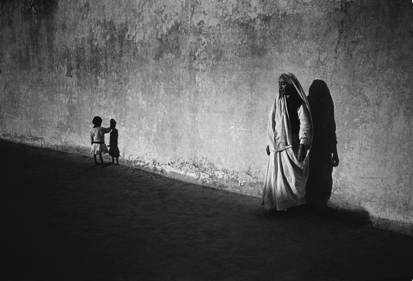 The old woman and the child