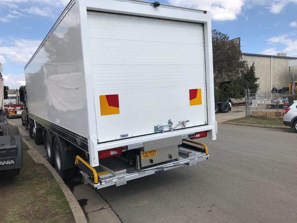 Dry Van Roller Door