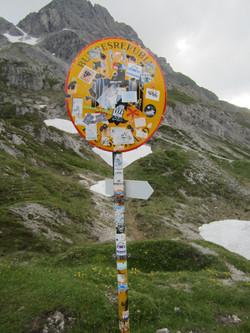 Mädelejoch nach Österreich