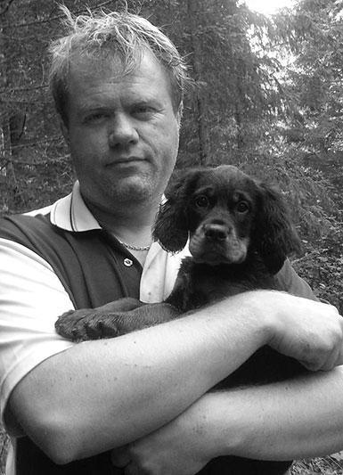 Roger Beck din hundelufter i Grenland