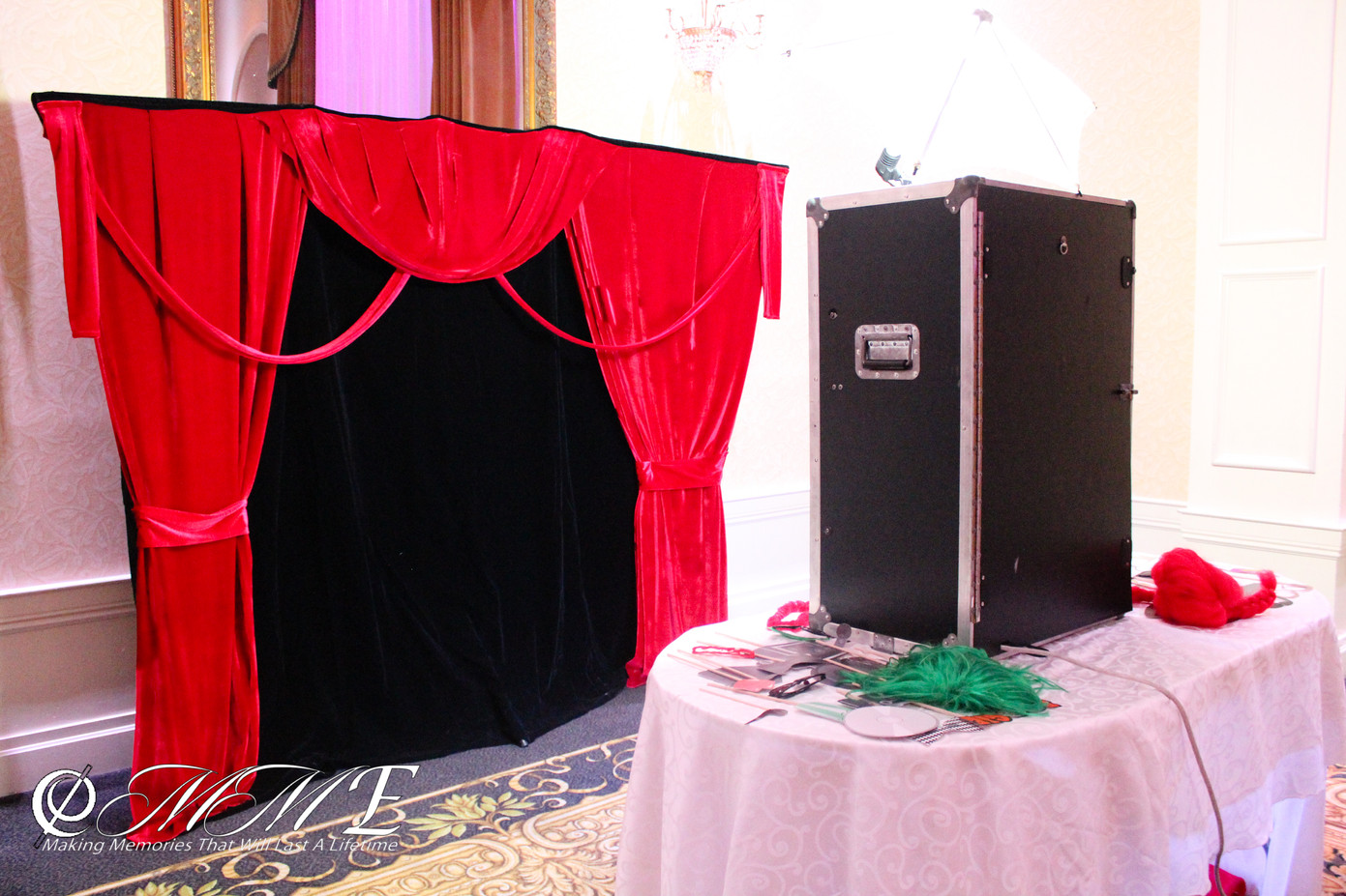 Specialty-Back-Drop-MME-Photo-Booth.jpg