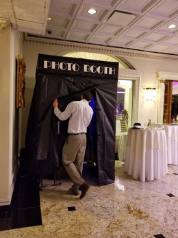 MME-Large-Enclosed-Photo-Booth.jpg