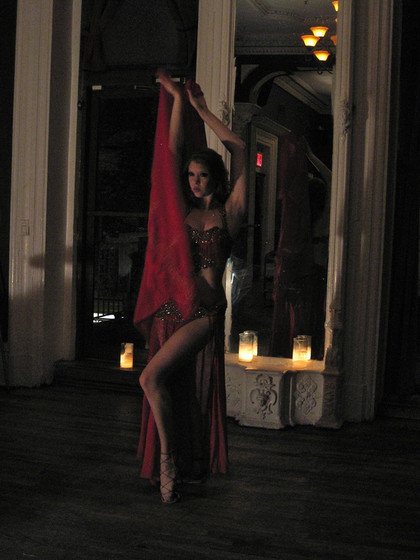 Gorgeous-Belly-Dancer.jpg