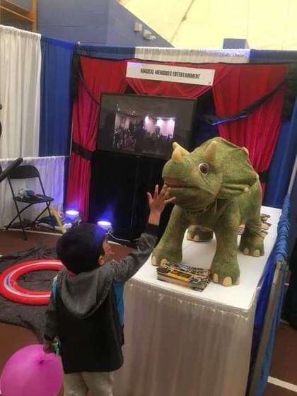 Dinosaur-At-Kids-Party.jpg