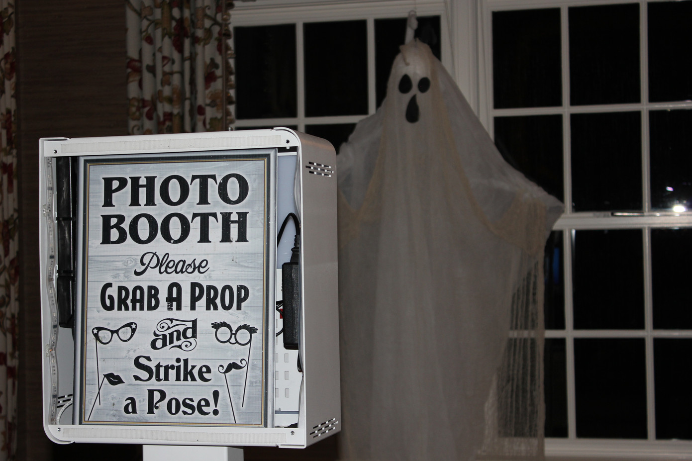 Photo-Booth-Halloween-Themed.JPG