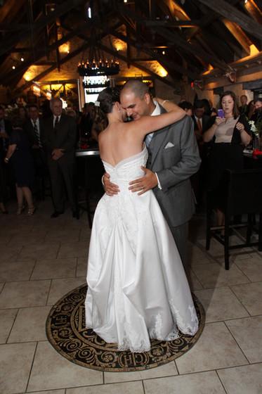 Bride-And-Groom-Sweet-Dance.JPG
